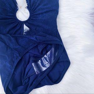 Robin Piccone Swim - Robin Piccone Ava Halter One Piece Swimsuit Size 4
